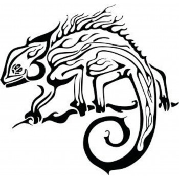 Tatouage caméléon en flammes
